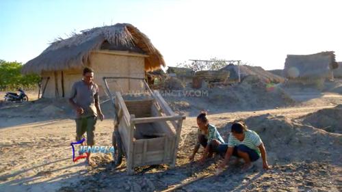 Sumba-The-Island-of-Independent-Energy-Part-2-MNCTV-Program-Jendela-(10-October-2016)