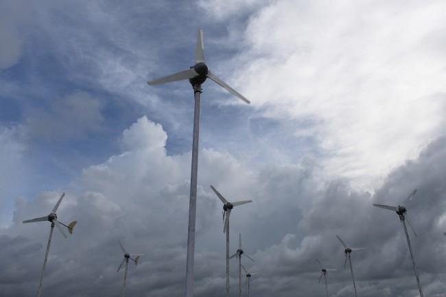 Energi terbarukan di Pulau Sumba. ANTARA FOTO / Hafidz Mubarak A.